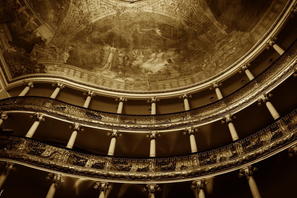 Teatro Amazonas by Camila Boehm, OBORÉ / Projeto Repórter do Futuro